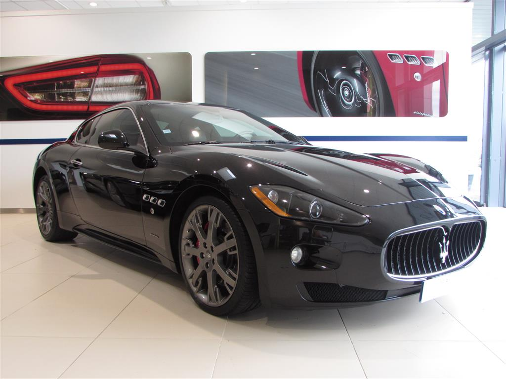 r sultat recherche voiture occasion maserati granturismo. Black Bedroom Furniture Sets. Home Design Ideas