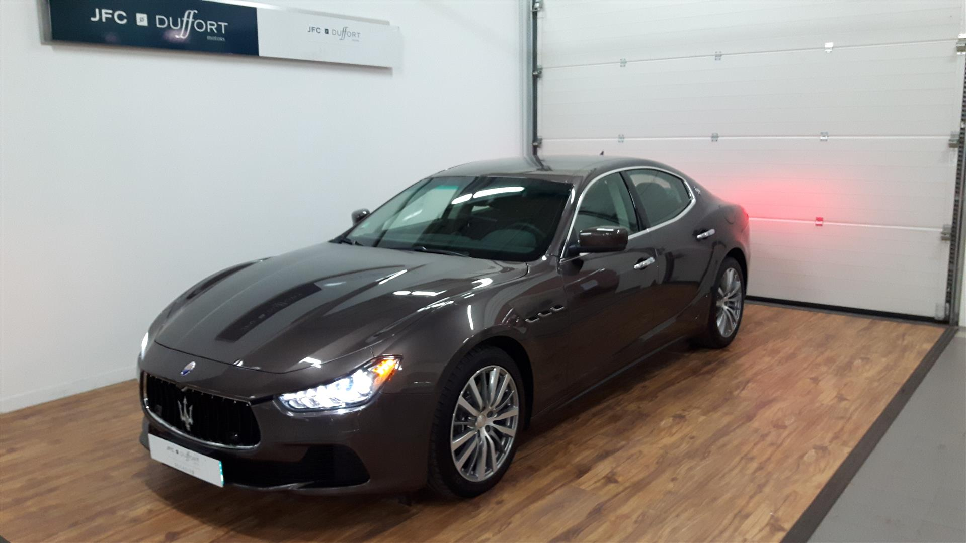 maserati ghibli voiture d couvrir chez jfc duffort motors. Black Bedroom Furniture Sets. Home Design Ideas