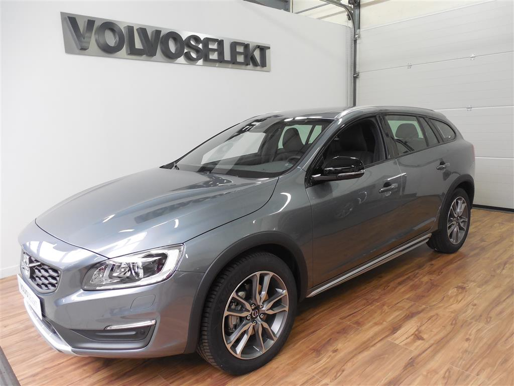 r sultat recherche voiture occasion volvo v60 cross country. Black Bedroom Furniture Sets. Home Design Ideas